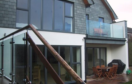An image of the outside of a large, family dwelling in Feock, Cornwall.