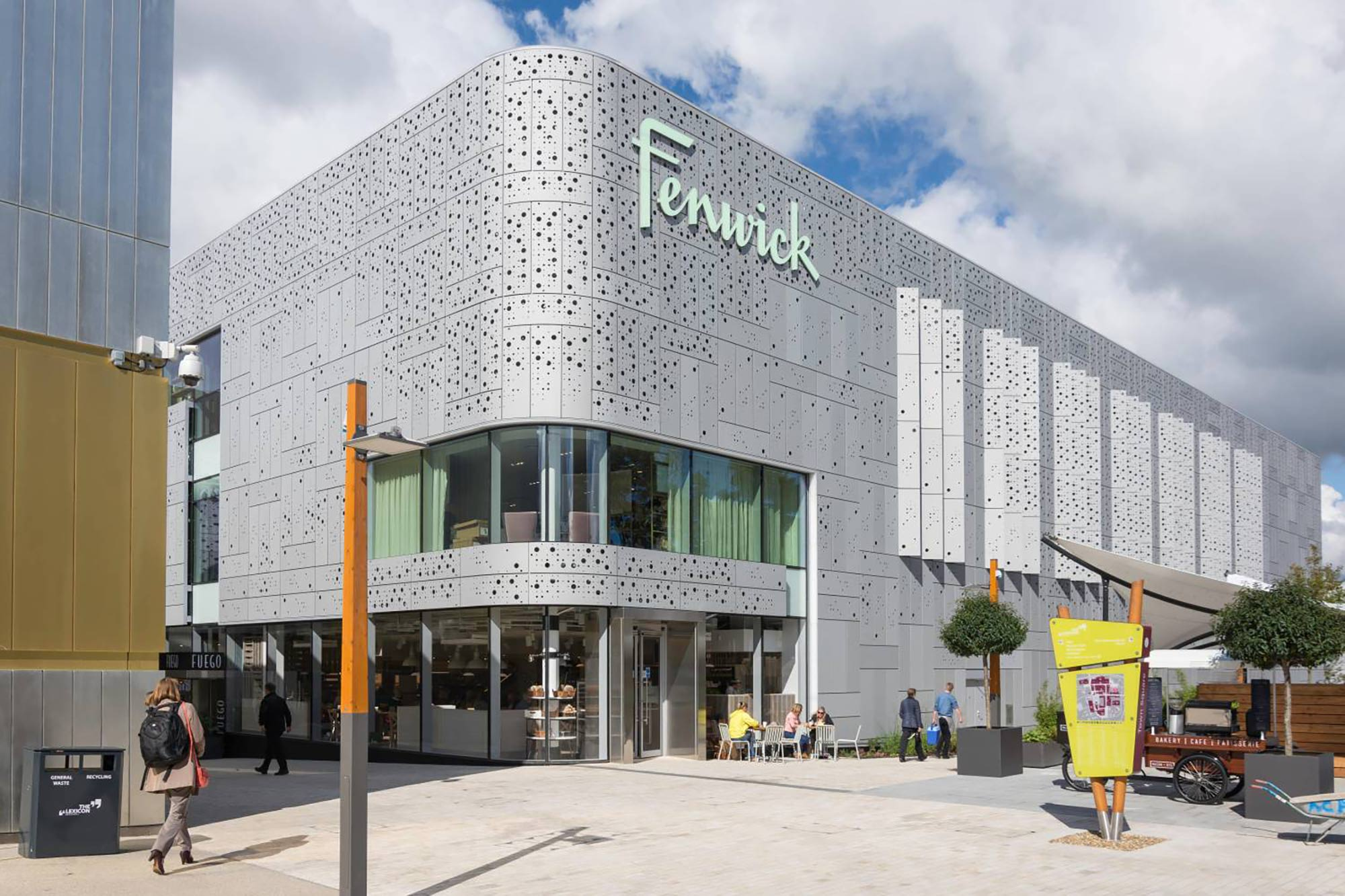 An image of the outside of Fenwick in Bracknell.